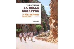 La belle échappée Un Tour de France autrement Photographies de Mickael Bourgoin ( avec un DVD de vidéos sur le Tour de Fête)